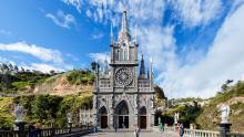 Imagen frontal del Santuario de las Lajas.