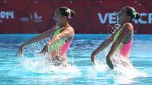 Estefanía Álvarez y Mónica Sarai, nadadoras colombianas.