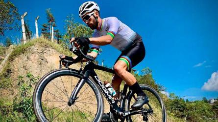 Camino a Tokio: Javier Serna, uno de los mejores en el tándem del paracycling
