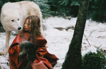 """Imagen de la película """"Sobreviviendo con lobos"""""""