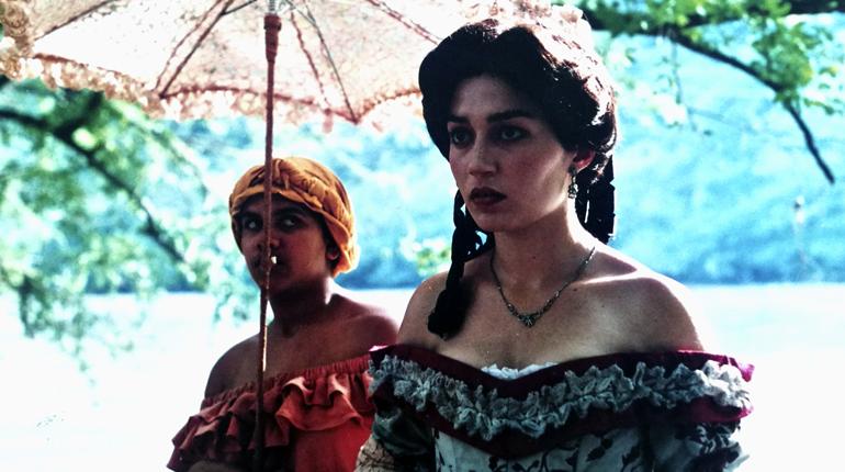 Isabel Galván interpretada por Natalia Helo en el telefilme Amores ilícitos
