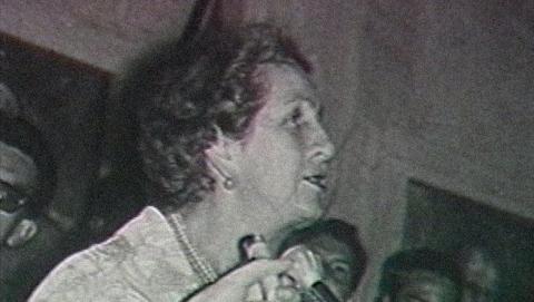 Mujer en discurso