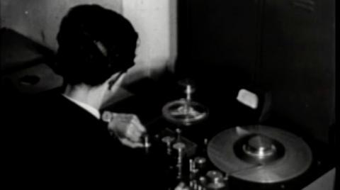Grabación de programa de audio en la Radiodifusora Nacional de Colombia 1960