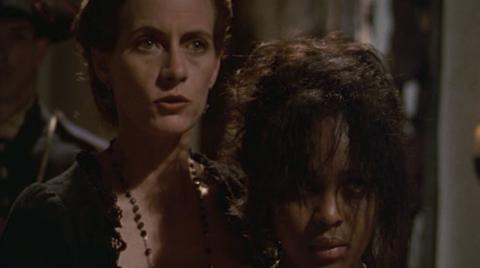 Doña Mariana de Bohórquez (interpretada por Kristina Lilley) en el telefilme Amores ilícitos