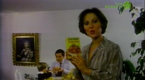 Mujer en comercial Buñuelos Sumaíz años 80