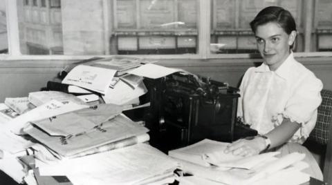 Gloria Valencia de Castaño joven