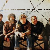 """""""Tu Sonrisa"""" pertenece al álbum """"Pueblo Alimaña"""" de 2010."""