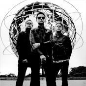 Imagen toda de Depeche Mode en Facebook