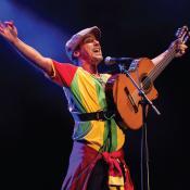 José Manuel Arturo Tomás Chao Ortega o Manu Chao de 55 años. Foto tomada de sydneyfestival.org.au