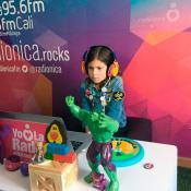 Elisa Vergara tiene 7 años y le gusta bailar con Systema Solar.