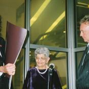 Jer Bulsara junto a Brian May de Queen.
