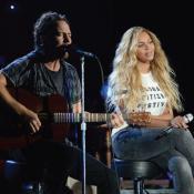 Eddie Vedder de 51 años y Beyonce de 34.
