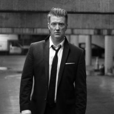 Josh Homme baila en el nuevo video de Queens of the Stone Age