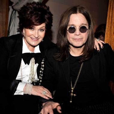Ozzy Osbourne junto a su esposa Sharon, una de las mamás más famosas del rock. Foto tomada de www.independent.co.uk