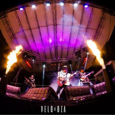 VElo De OZa: 10 años de carranga rock