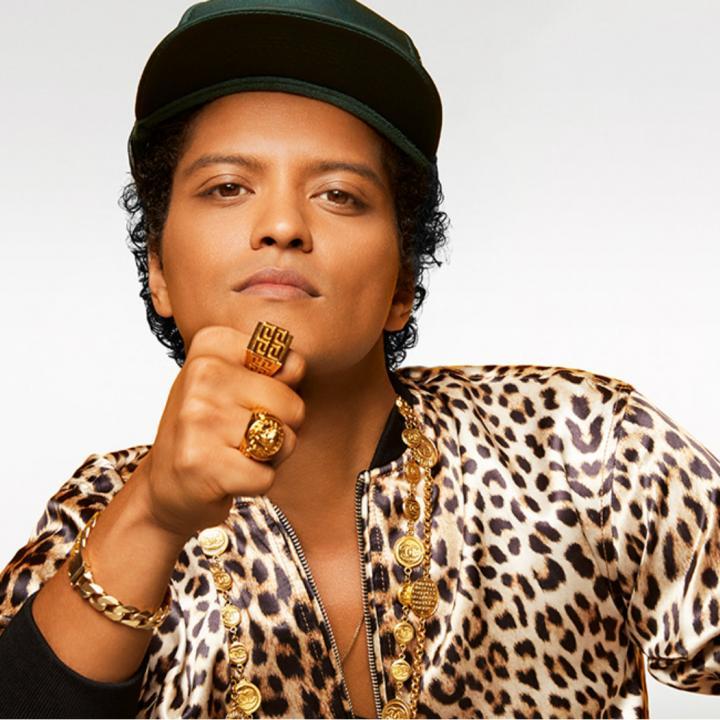 Bruno Mars viene a presentar su tercer disco 24K Magic