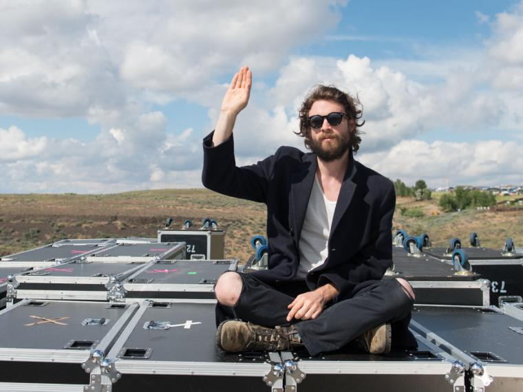 Father John Misty. Foto tomada de www.hipsteriancircus.es