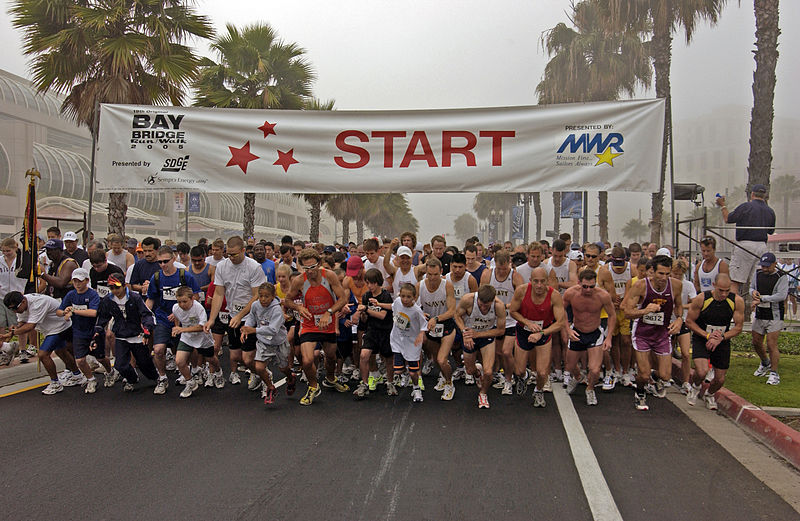 Bay Bridge Walk / Run startline