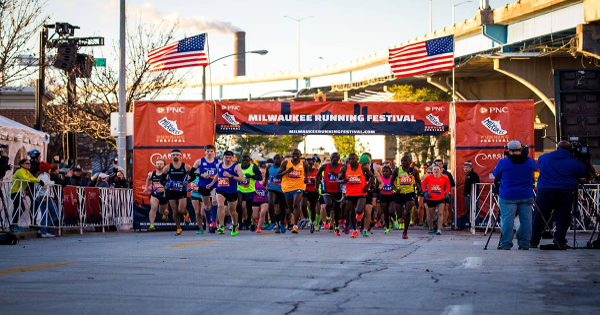 Milwaukee Running Festival starting line.