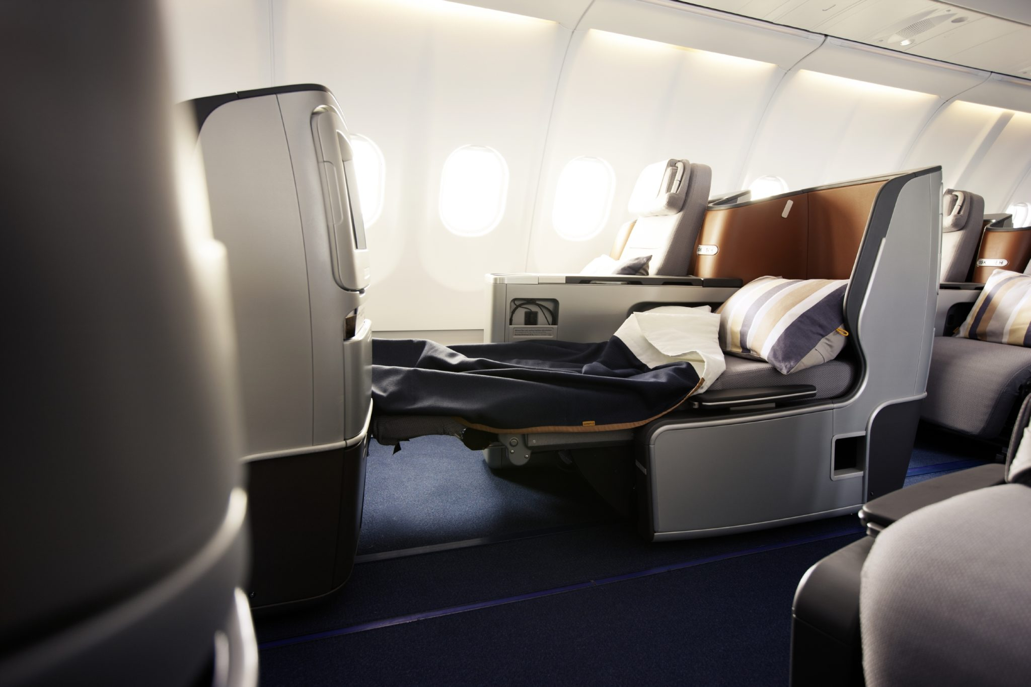 Lufthansa Keeps Middle Seats But Makes Changes In 747 400