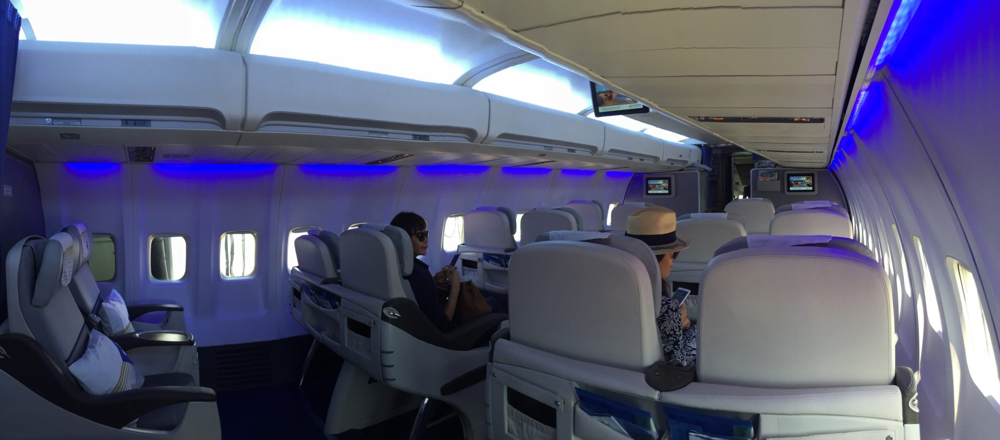 The sixteen-seater Business cabin stretches from doors 1 to 2 on Air Astana's 757-200. Image: Air Astana