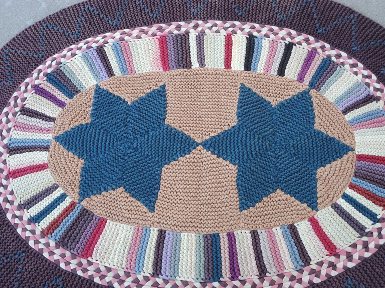 Sign Up For Amish Style Knitted Rugs