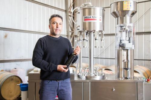 Pequeños productores de vino y de ciruela adquieren tecnología para aumentar su productividad