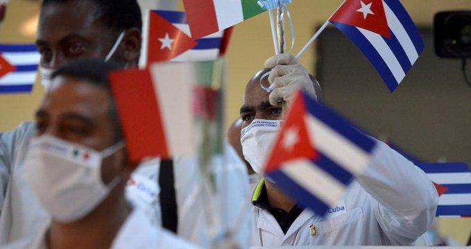 ASOCIACIONES MEXICANAS DE MÉDICOS PROTESTAN POR PRESENCIA DE DOCTORES CUBANOS