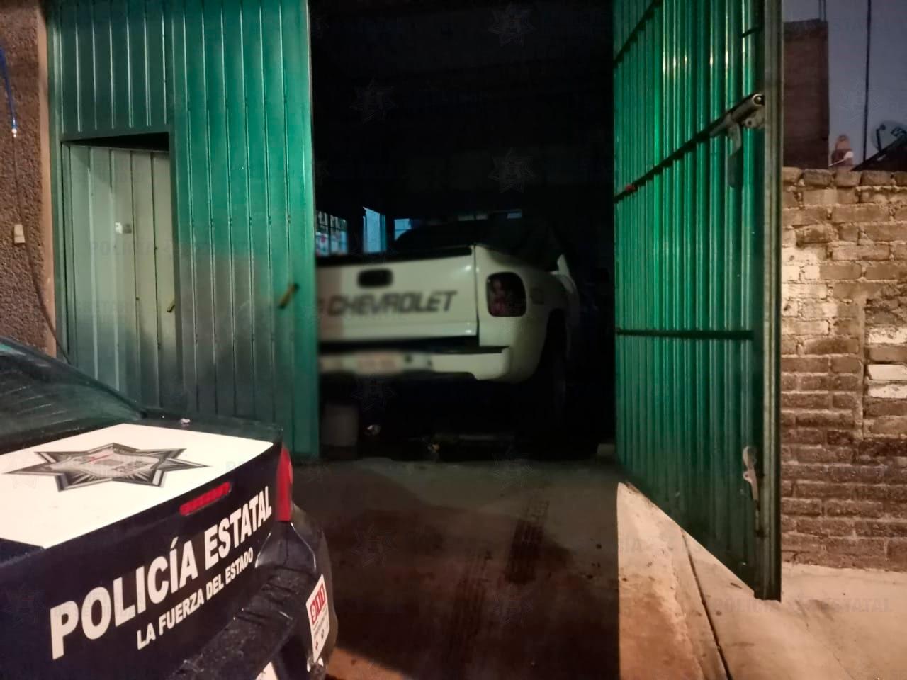 RESGUARDAN PREDIO DONDE SE LOCALIZÓ UN VEHÍCULO CON REPORTE DE ROBO