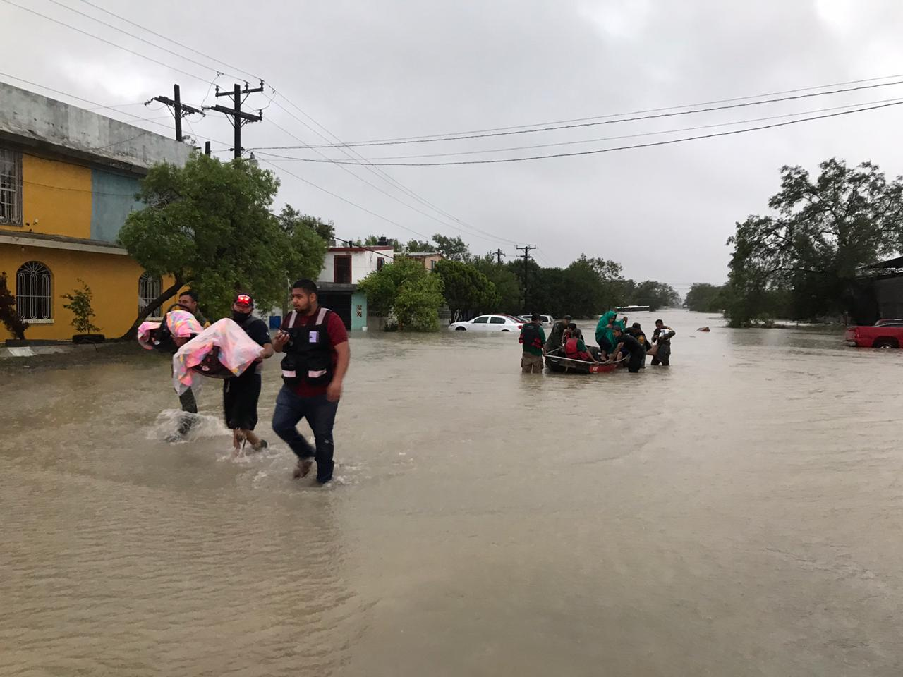 """FOTOS: FUERTES INUNDACIONES EN NUEVO LEÓN Y TAMAULIPAS AL PASO DE """"HANNA"""""""