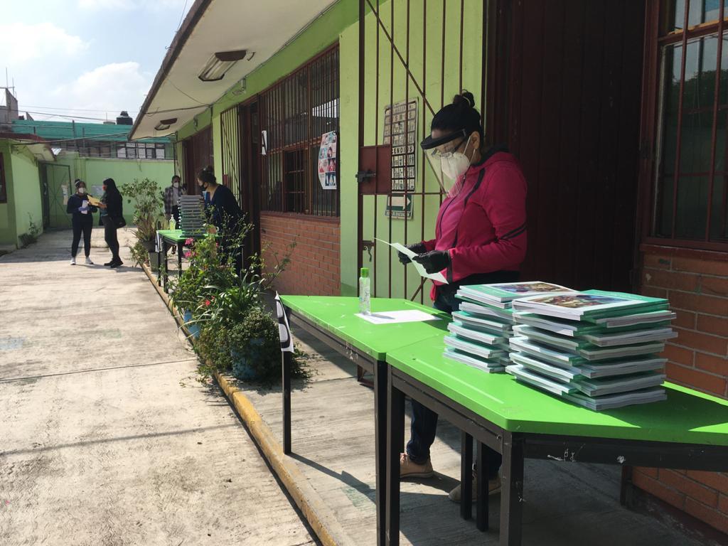MAESTROS DE NEZAHUALCÓYOTL ALISTAN ÚLTIMOS DETALLES PARA EL REGRESO A CLASES