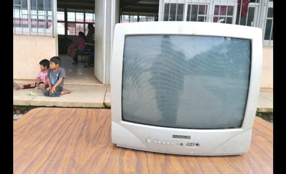 A FALTA DE LUZ O TELEVISIÓN, NIÑOS NO PUEDEN INICIAR CLASES EN GUERRERO
