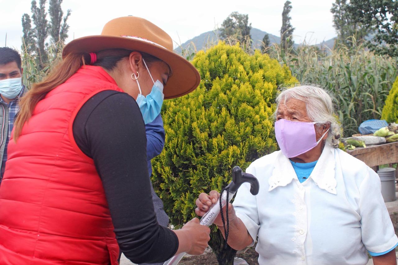RECIBEN ADULTOS MAYORES DE COMUNIDADES INDÍGENAS APARATOS FUNCIONALES