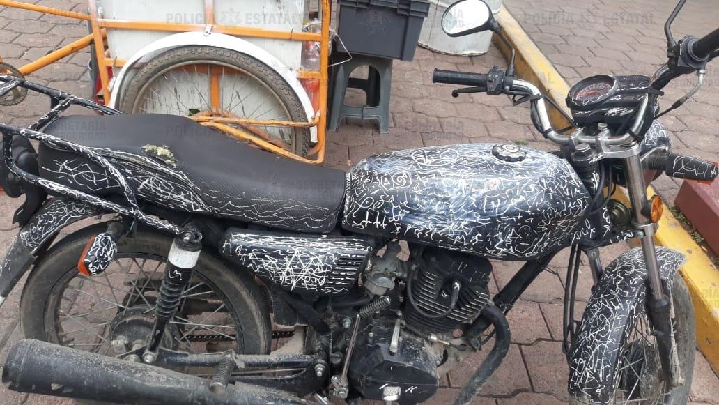 """DELFINO """"N"""" FUE DETENIDO EN TULTITLÁN POR MANEJAR UNA MOTOCICLETA SIN PLACAS"""