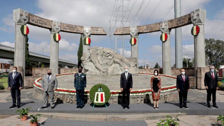 ENCABEZA ALFREDO DEL MAZO CEREMONIA CONMEMORATIVA DEL SACRIFICIO DE LOS NIÑOS HÉROES