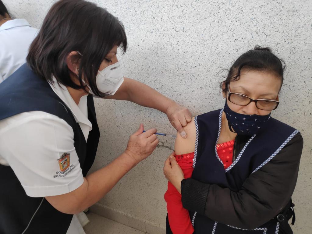 ALTA DEMANDA EN CENTROS DE SALUD MEXIQUENSES PARA INMUNIZARSE CONTRA LA INFLUENZA