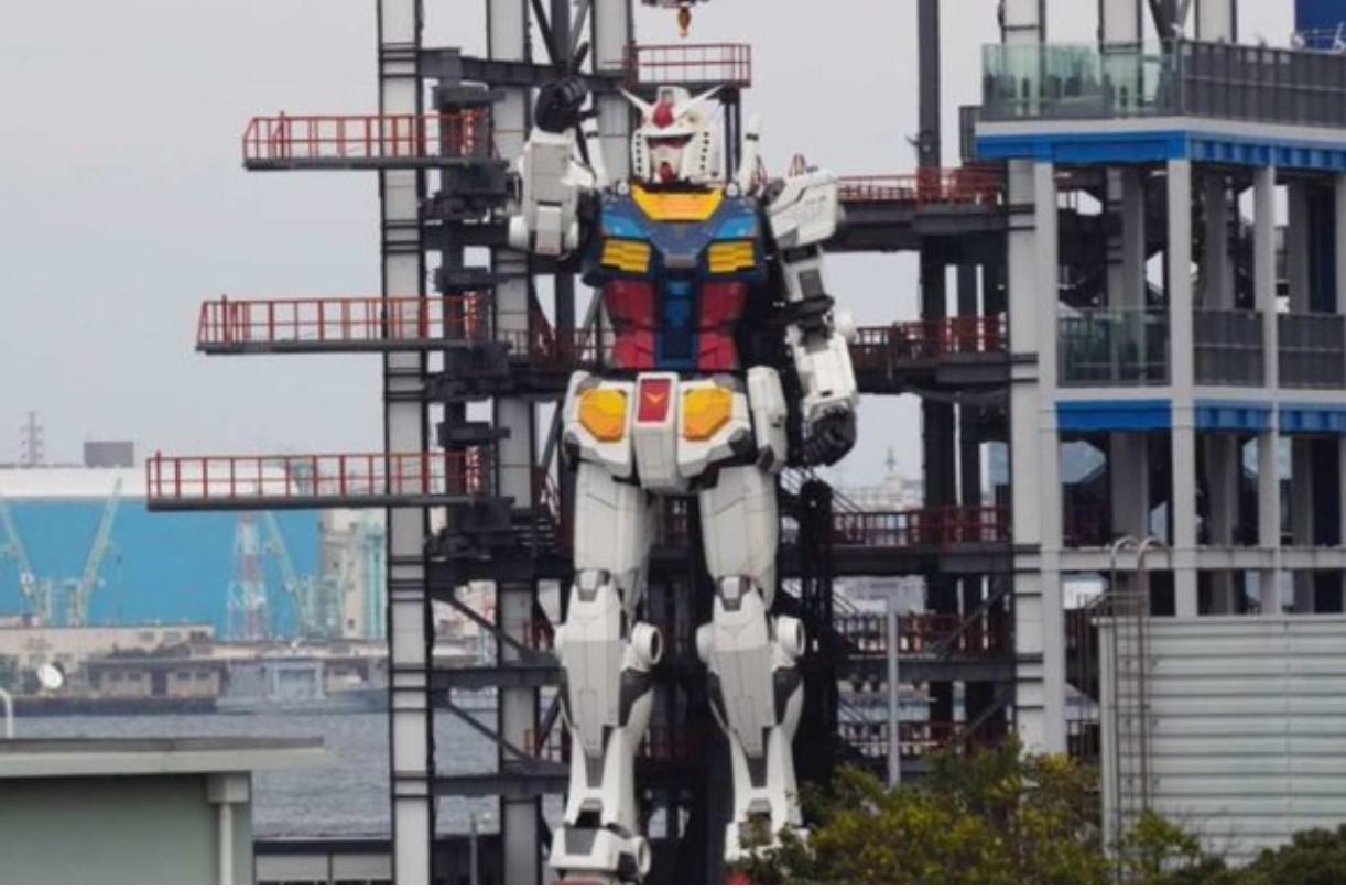 """VIDEO: """"EL FUTURO ES HOY"""", UN ROBOT GIGANTE COBRA VIDA EN JAPÓN"""