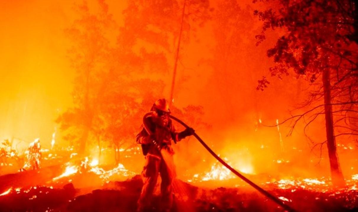 INCENDIO EN CALIFORNIA, CONSIDERADO COMO EL MÁS GRANDE DE LA HISTORIA