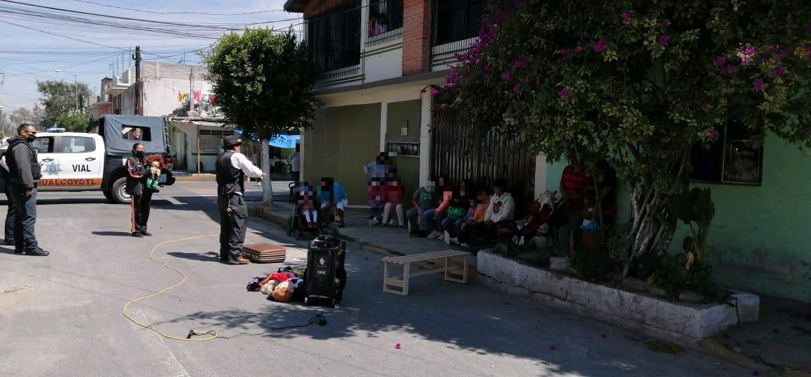 POLICÍA MUNICIPAL FOMENTA LA LECTURA ENTRE LAS FAMILIAS