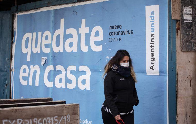 ARGENTINA IMPONE TOQUE DE QUEDA ANTE AUMENTO DE CASOS DE COVID-19