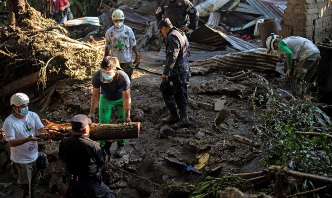 DESLAVE EN EL SALVADOR DEJA NUEVE MUERTOS Y 35 DESAPARECIDOS