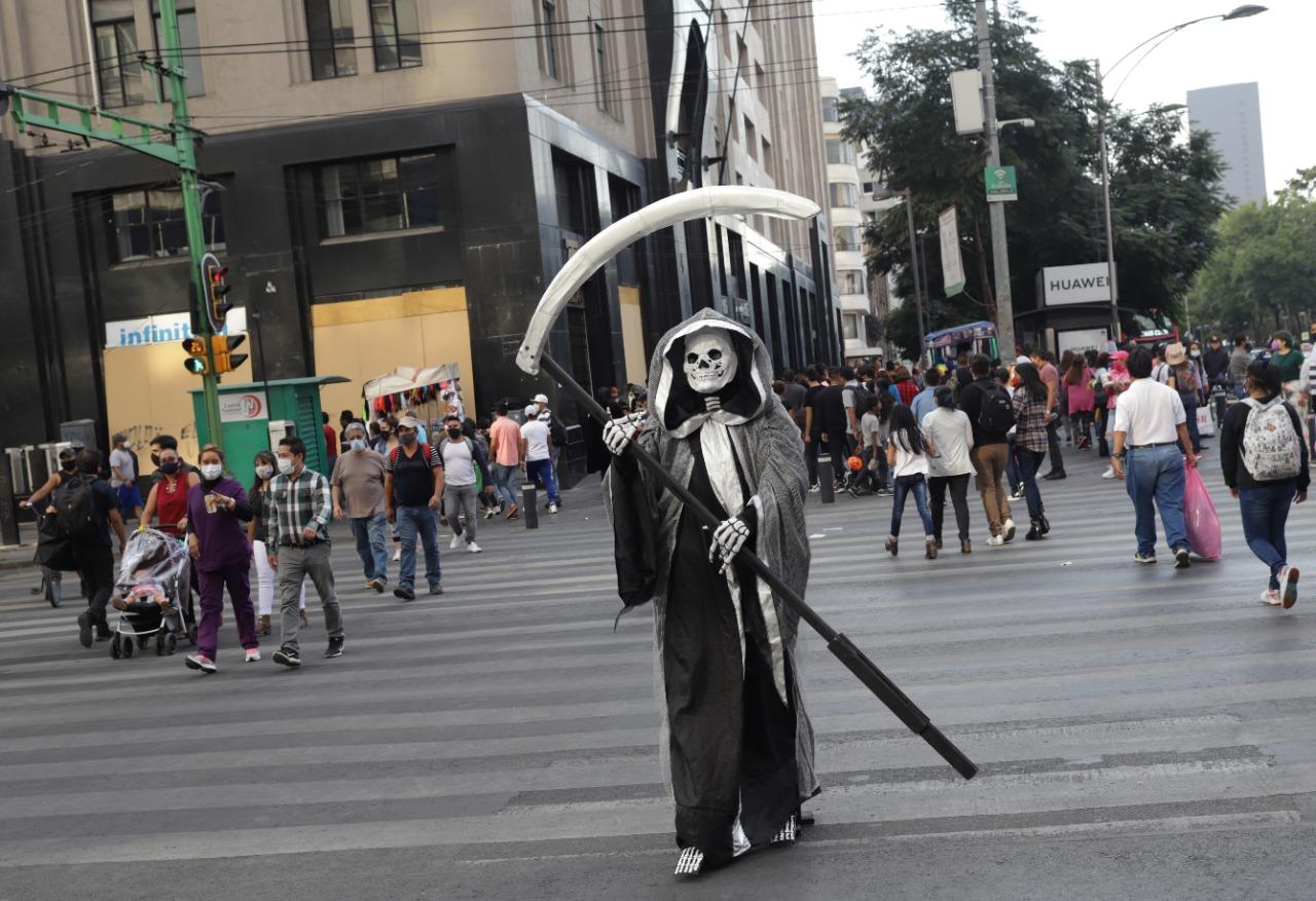 MÉXICO ALCANZA 924 MIL 962 CONTAGIOS DE COVID-19 Y 91 MIL 753 MUERTES