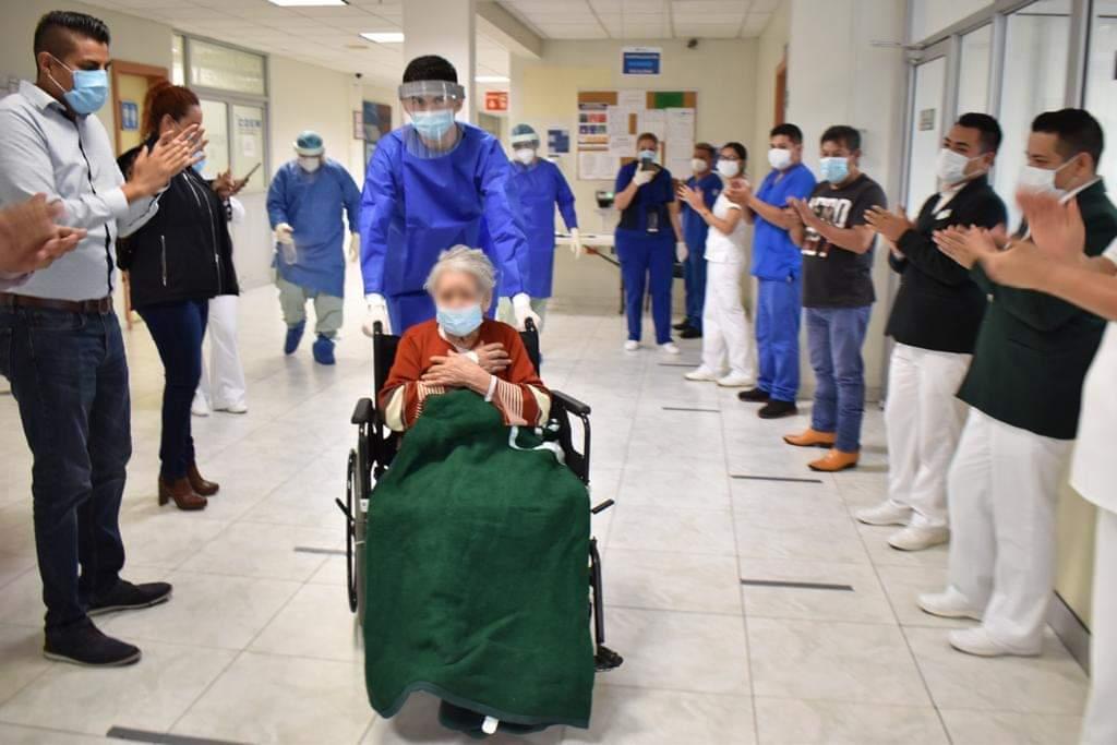 MUJER DE 97 AÑOS SUPERA EL COVID-19 EN HOSPITAL DEL IMSS EN NUEVO LEÓN