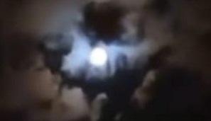 """VIDEO: """"D10S"""" SE APARECE EN EL CIELO DE ARGENTINA"""