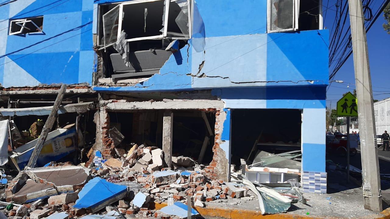 COMIENZA DEMOLICIÓN DE RESTAURANTE QUE EXPLOTÓ EN AZCAPOTZALCO