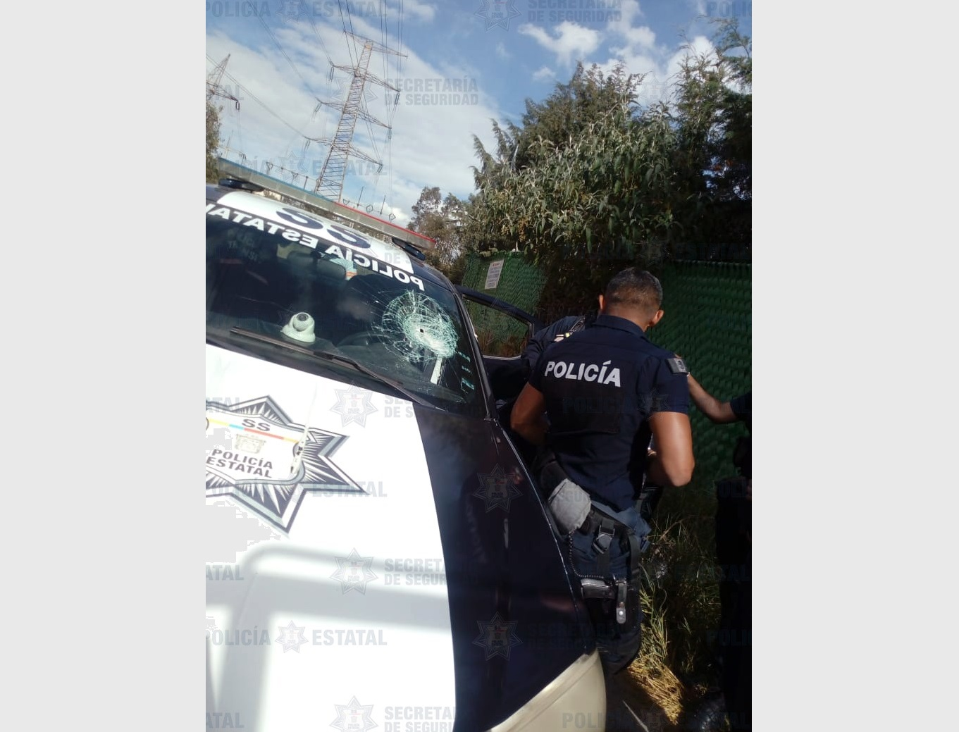 AGREDEN A POLICÍAS ESTATALES EN LA COMUNIDAD DE SAN MATEO NOPALA