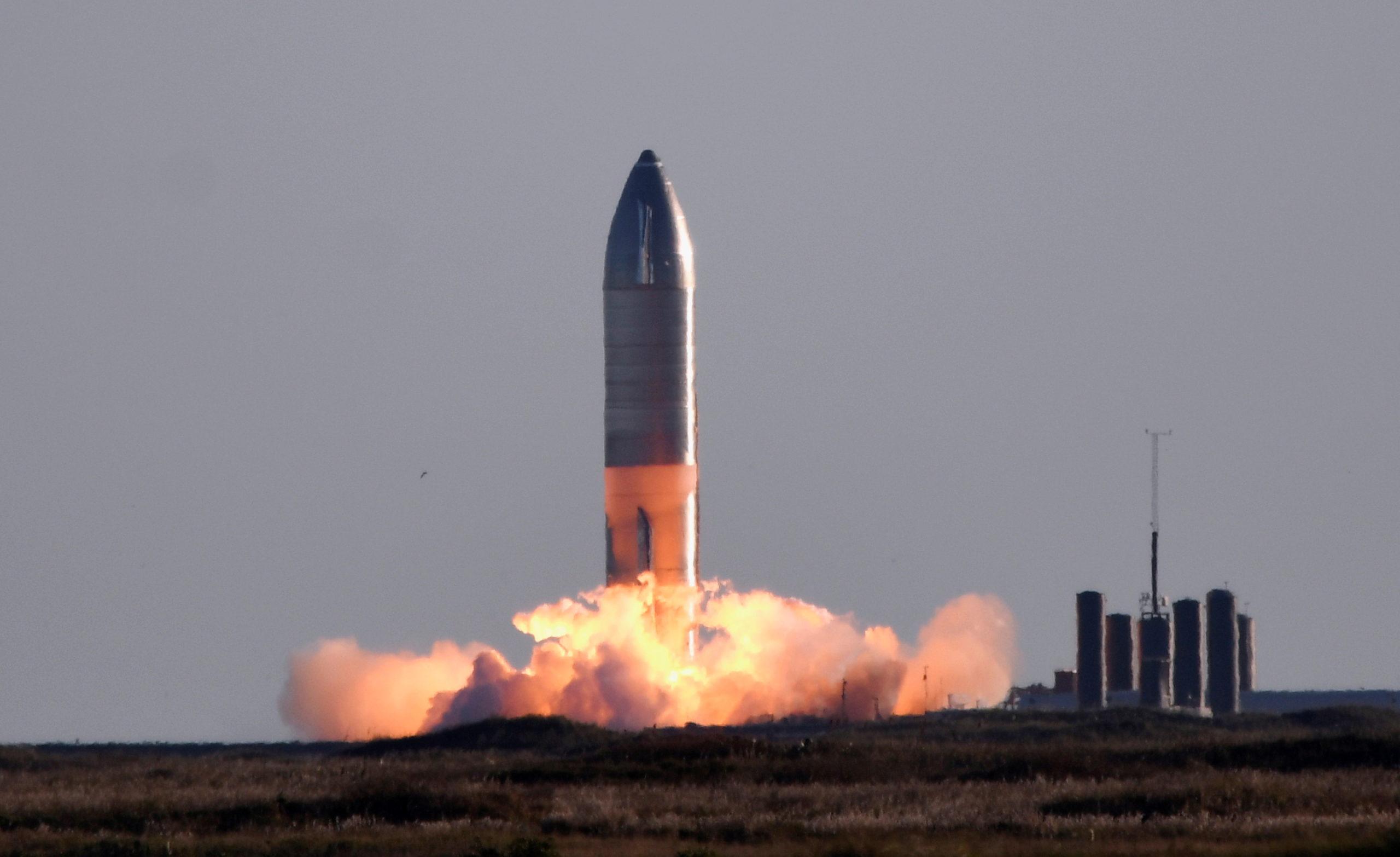SN8, PROTOTIPO DE AERONAVE SPACEX EXPLOTA DURANTE ATERRIZAJE