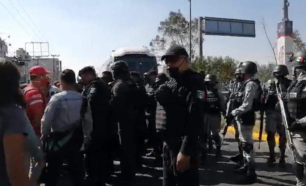 VIDEO: SE REGISTRAN BLOQUEOS EN NEZAHUALCÓYOTL