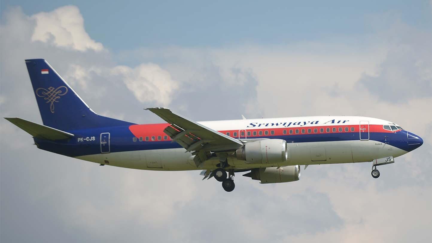 SE REGISTRA ACCIDENTE DE AVIÓN BOEING 737 EN INDONESIA
