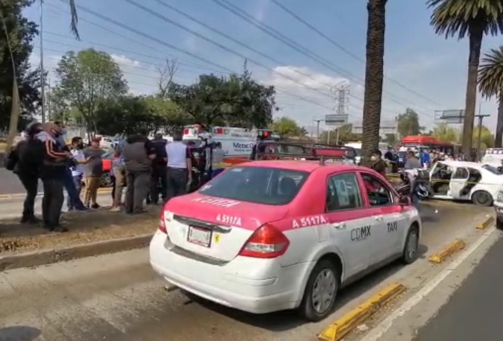 VIDEO: MUJER PIERDE LA VIDA TRAS ACCIDENTE EN LA GUSTAVO A. MADERO; HAY OTRO HERIDO